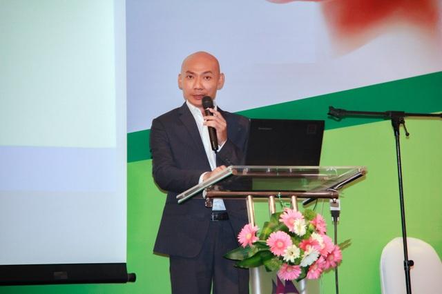 Ông Warut Pangpomma, CEO Công ty Việt can phát biểu khai mạc
