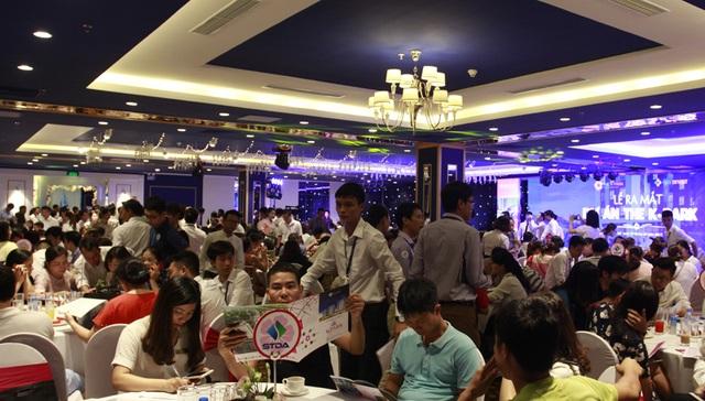 Hơn 500 chỗ ngồi tại Trống Đồng Palace chật kín khách tham dự