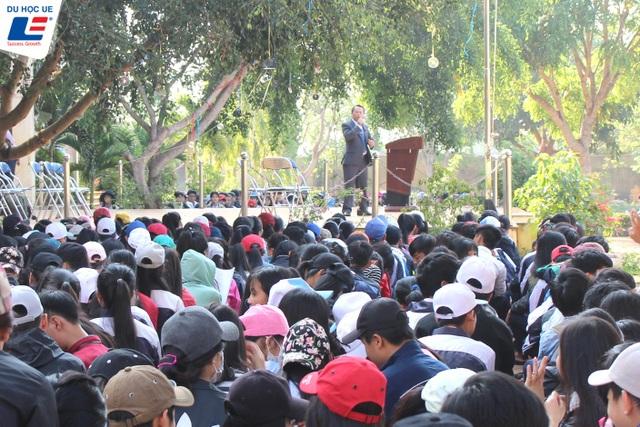 Nên chọn học tại Việt Nam hay du học: Kỳ 1 - Chơi vơi chọn ngành chọn nghề - 1