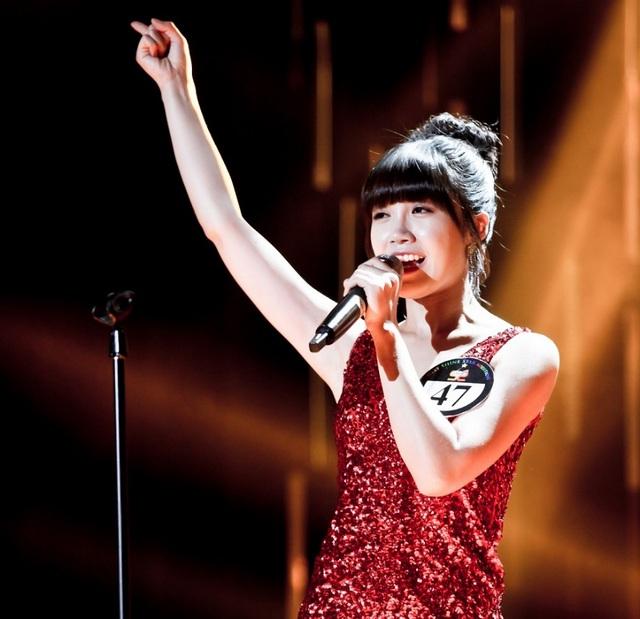 """Eun Ji không ngừng mê hoặc khán giả khi hóa thân thành """"ngôi sao nhạc Trot"""" trong Nữ hoàng nhạc tình – phim lần đầu phát sóng tại Việt Nam trên kênh D-Dramas lúc 20g00 hàng ngày, từ 29/06/2017."""