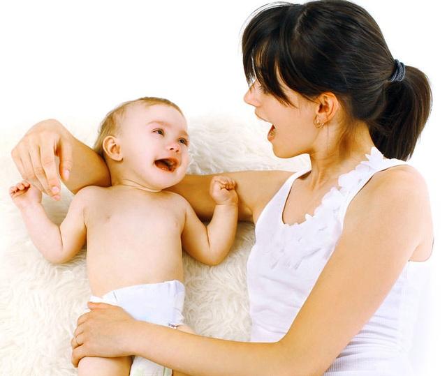 Gửi trẻ dưới 18 tháng tuổi vào các trường mầm non, các mẹ thường lo lắng vì trẻ rời vòng tay mẹ từ quá sớm.
