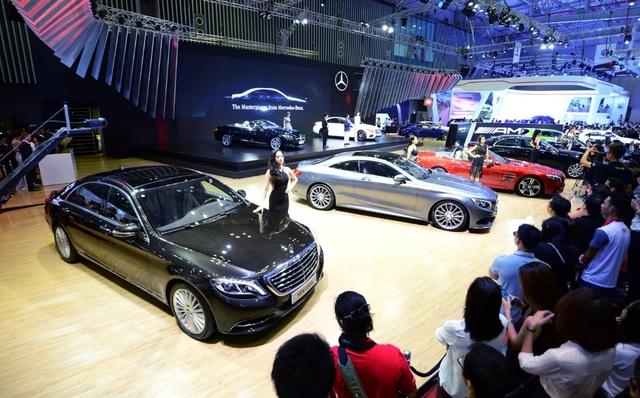 Danh mục sản phẩm đa dạng tại Fascination 2017: từ A đến S-Class, từ GLA đến GLS, từ xe siêu sang Mercedes-Maybach đến xe hiệu năng cao Mercedes-AMG.