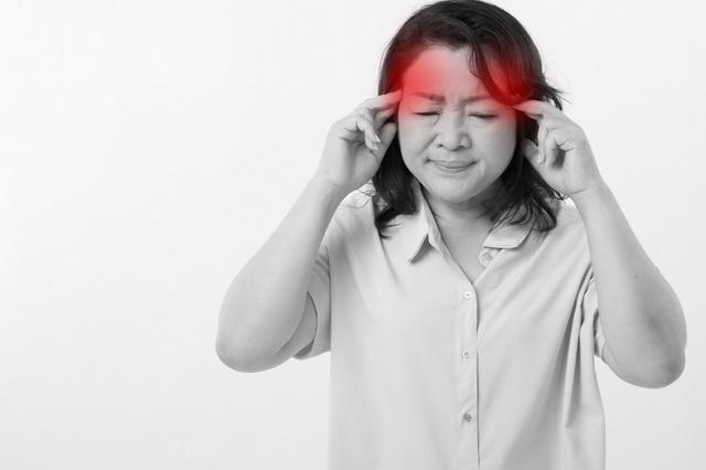 Chóng mặt, nhức đầu thường lành tính nhưng khiến chị em mệt mỏi, ảnh hưởng chất lượng cuộc sống