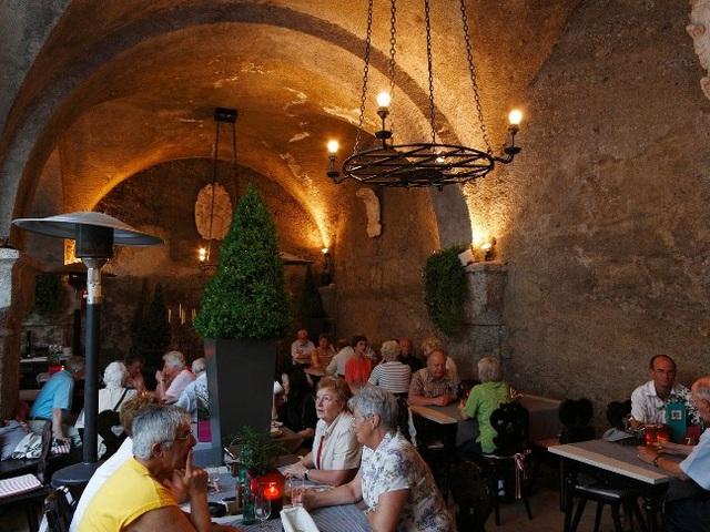 Những nhà hàng cổ xưa nhất thế giới - 1
