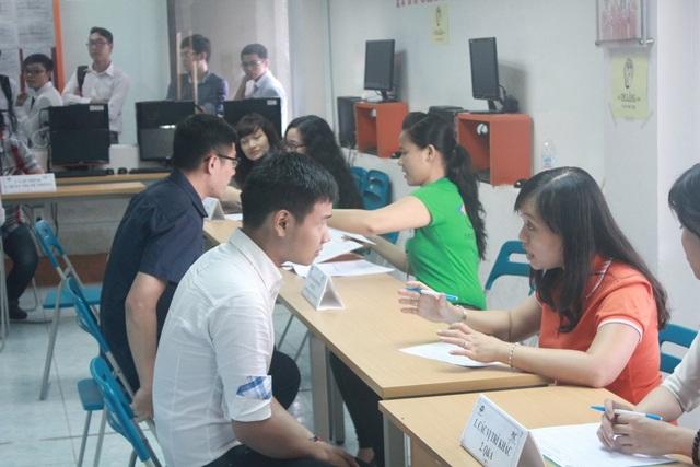 Sinh viên FPT Jetking được doanh nghiệp đến trực tiếp trường để phỏng vấn tuyển dụng.