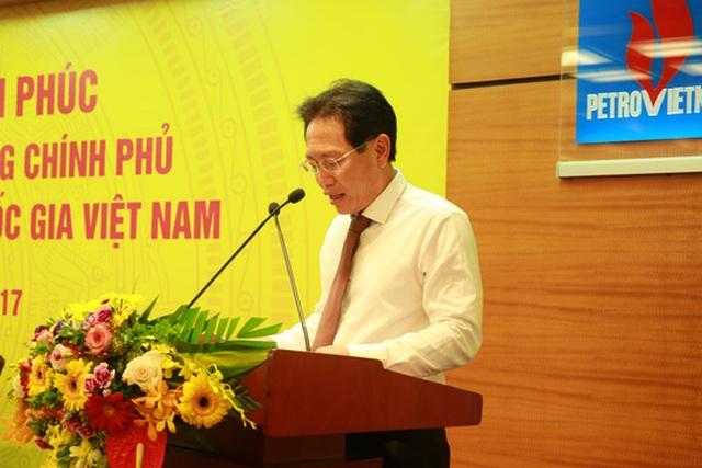 Tổng Giám đốc PVN Nguyễn Vũ Trường Sơn báo cáo với Thủ tướng, Ảnh: Quang Hiếu