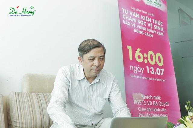 PGS. TS Vũ Bá Quyết tư vấn cho độc giả