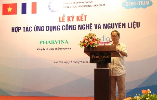 PGS. TS. Phạm Văn Hoan, Phó viện trưởng - Viện Y học ứng dụng phát biểu khai mạc buỗi lễ ký kết.