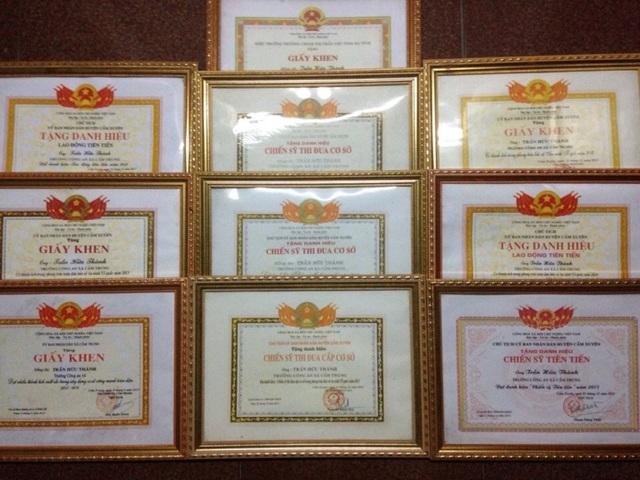 Những giấy khen, danh hiệu mà ông Thành đạt được trong quá trình công tác