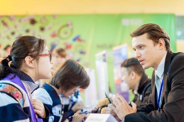 Học sinh, sinh viên có cơ hội gặp mặt và tư vấn trực tiếp với đại diện các trường và tiếp cận nhiều cơ hội học bổng