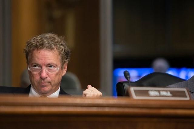 Thượng nghị sĩ Cộng hòa Rand Paul, tuần rồi cho biết sẽ không đồng ý dự luật của Thượng viện vì không đủ mạnh để thay thế Obamacare. Ảnh: NEW YORK TIMES