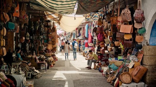Lạc lối trong những khu chợ độc đáo nhất thế giới - 1