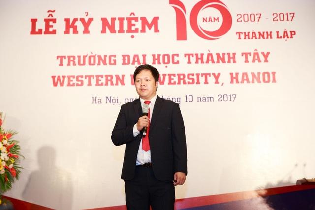 Tại lễ kỷ niệm 10 năm thành lập trường, TS. Đàm Quang Minh - Hiệu trưởng trường Đại học Thành Tây công bố chiến lược phát triển trường Đại học Thành Tây giai đoạn 2017 - 2022 và tầm nhìn đến 2027.