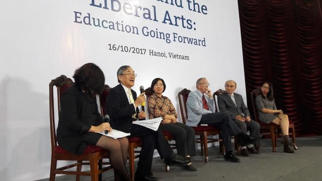 GS.TS. Furuta Motoo phát biểu tại hội thảo