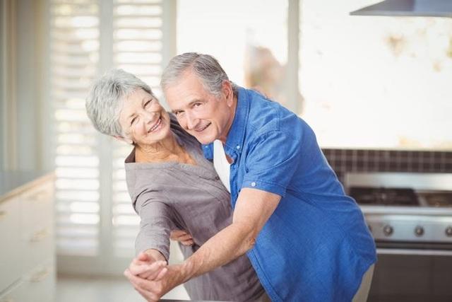 Nếu muốn đẩy lùi tuổi già, bạn hãy học khiêu vũ - 1