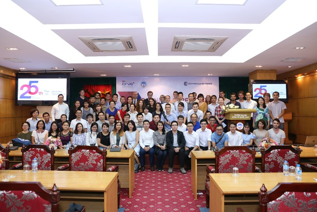 Tân học viên CFVG MBA 2017 và các học viên đến từ quốc tế.
