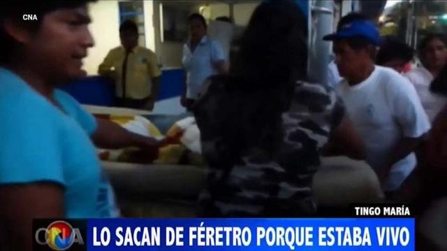"""Gia đình đưa """"người chết"""" vào viện sau khi phát hiện có dấu hiệu của sự sống"""