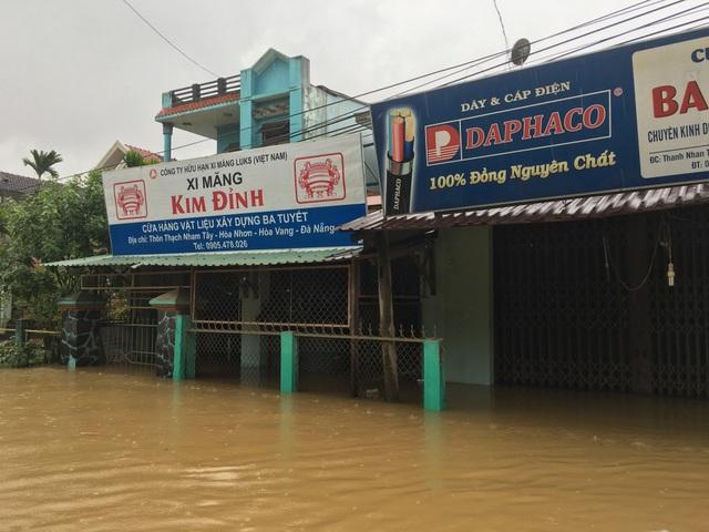 Toàn huyện Hòa Vang đã có 4.345 hộ dân bị ngập lũ