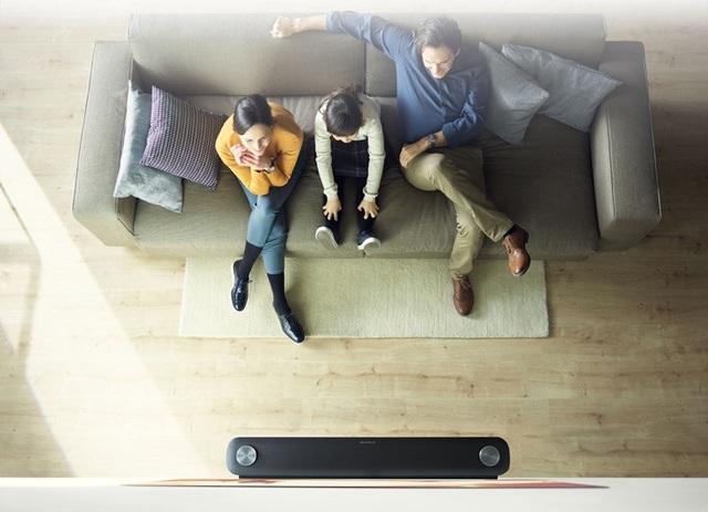 Khi nhu cầu giải trí tăng cao, quỹ thời gian sinh hoạt chung ngày càng eo hẹp, các gia đình hiện đại có xu hướng tích hợp phòng khách với phòng giải trí