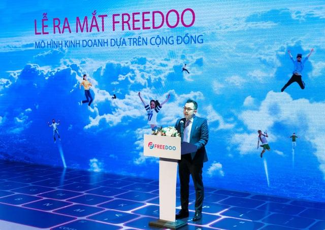 Ông Phùng Duy Khương - Giám đốc Khối Bán lẻ hàm Phó Tổng Giám đốc VietinBank phát biểu tại buổi Lễ