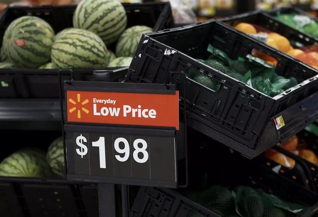 Ông Henry Walker đã được bồi thường hơn 170 tỷ đồng vì ông bị ngã vỡ hông trong siêu thị Walmart khi đang đi mua dưa hấu. (Nguồn: B. Scott)