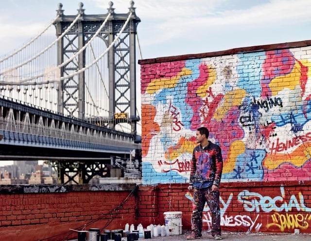 """Từ một chàng trai 17 tuổi không qua trường lớp đào tạo, JonOne đã trở thành """"bậc thầy"""" nghệ thuật thành thị nổi danh trên toàn thế giới nhờ vào sự đam mê sáng tạo nghệ thuật"""
