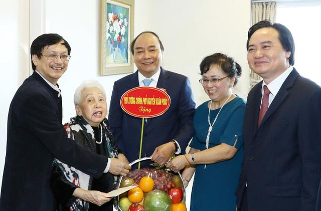 Thủ tướng thăm nhà giáo Thái Thị Liên 100 tuổi - 1
