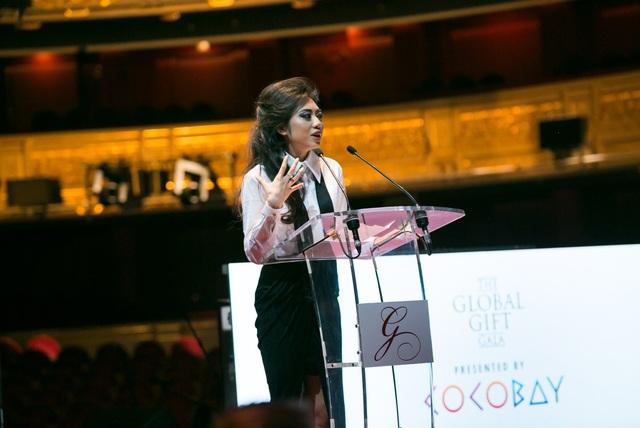 Bà bà Coco Trần - Chủ tịch sáng lập quỹ Coco Heart, Phó Chủ tịch Tập đoàn Empire, phát biểu tại sự kiện The Global Gift Gala lần thứ 25