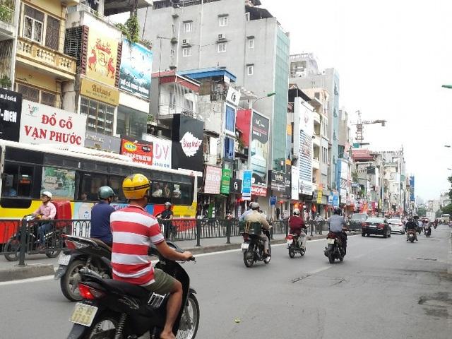 Con phố bán đồ nội thất tại Hà Nội