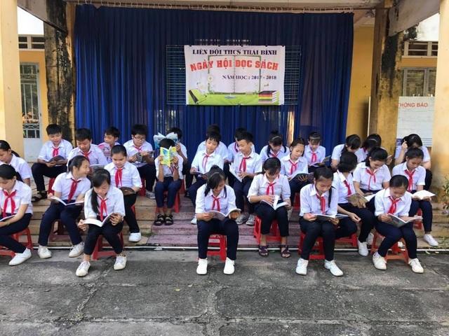 Ngày hội đọc sách của học sinh trường THCS Thái Bình (huyện Châu Thành, Tây Ninh).