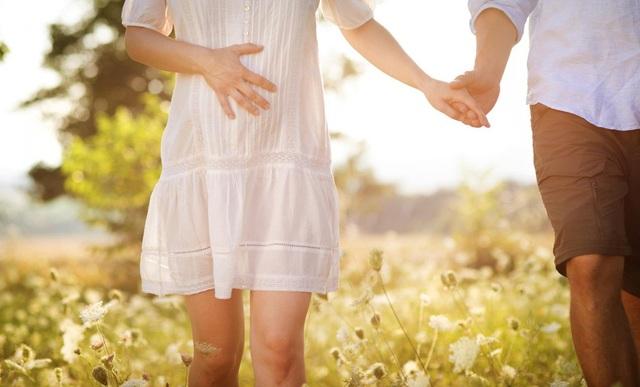 Mẹ bầu nên xét nghiệm để theo dõi thai kỳ tốt nhất.