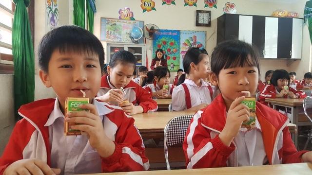 Sữa đậu nành Fami kid đã đến với hàng trăm nghìn em học sinh trên toàn quốc trong 2 năm qua