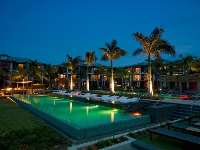 Top 10 bể bơi khách sạn đẹp mê mẩn - 10