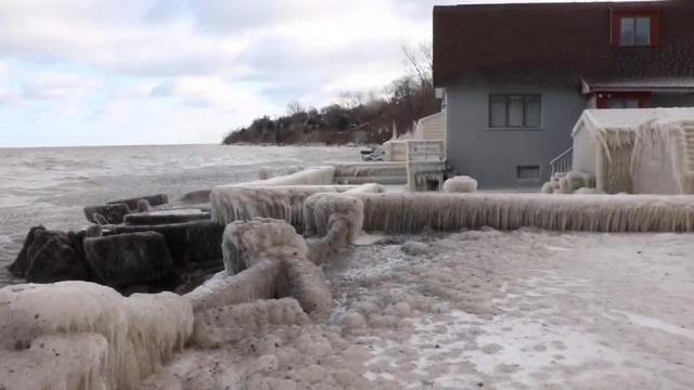 Giá rét đang tiếp diễn ở Canada và Mỹ khi một trận bão tuyết lớn càn quét khu vực này khoảng một tuần qua