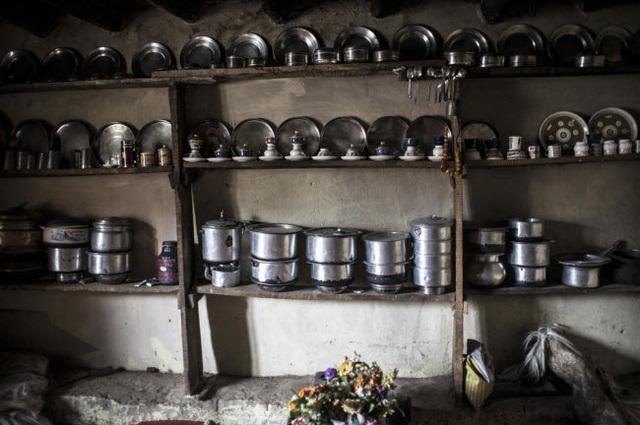 Bí ẩn về bộ tộc thoải mái đổi vợ sống trên dãy Himalayas - 4