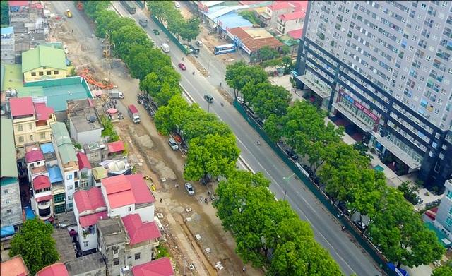 Sau khi hoàn thành đường dưới mặt đất, đường trên cao sẽ được xây dựng. Đường trên cao có tổng mức đầu tư hơn 5.300 tỷ đồng, quy mô 4 làn xe, vận tốc thiết kế 100km/h.