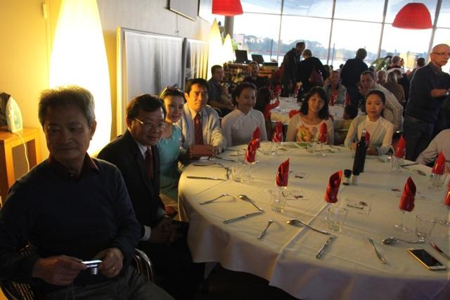Đêm nhạc trung thu từ thiện của cộng đồng người Việt trẻ tại Lorient - 10