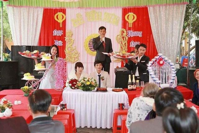 Hôn lễ được tổ chức linh đình như các cặp vợ chồng khác