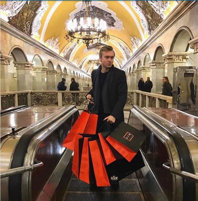 """Hội con nhà giàu Nga """"phá đảo"""" Instagram vì độ chịu chơi - 14"""