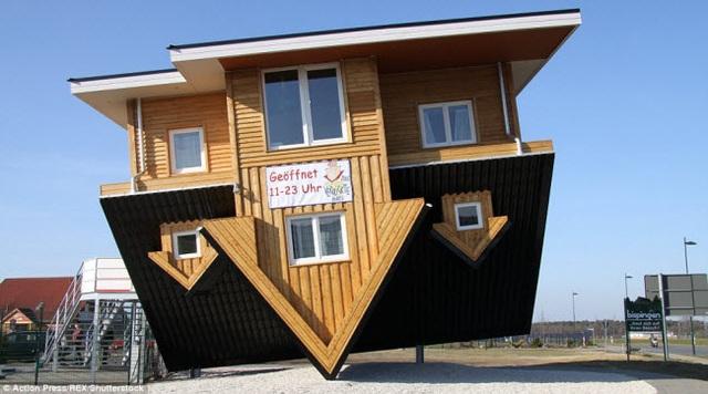 Ngôi nhà độc đáo này được hoàn thành vào năm 2011 tại Bispingen, Đức.