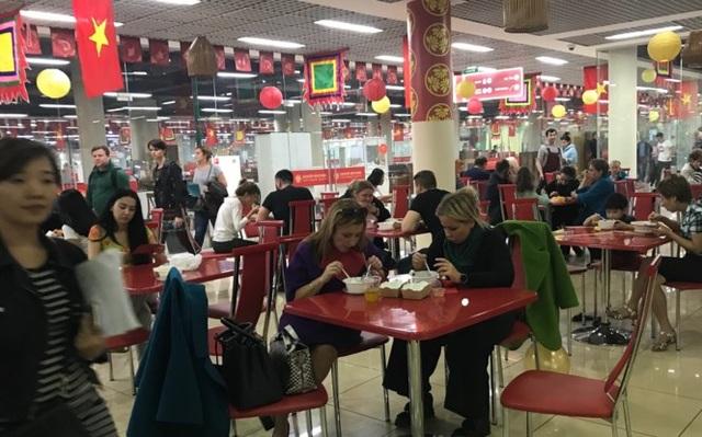 Rực rỡ Festival thức ăn đường phố Việt tại Nga - 15