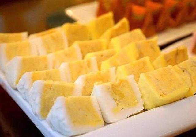 Bánh trung thu Musang king độc đáo nhân sầu riêng tươi, giữ nguyên vị thơm ngon của trái sầu riêng