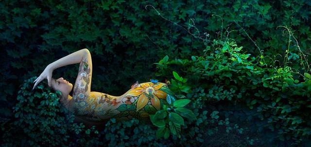 Đã mắt với những bức tranh tuyệt đẹp trên cơ thể thiếu nữ Việt - 16