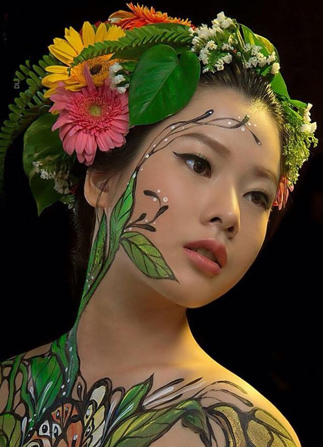 Đã mắt với những bức tranh tuyệt đẹp trên cơ thể thiếu nữ Việt - 17
