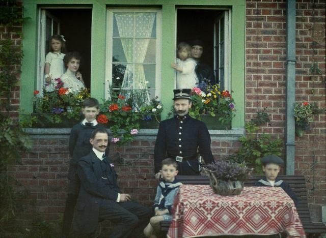 Bức ảnh gia đình chụp ở Bỉ, năm 1913.