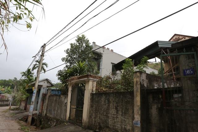 Hố tử thần nằm ngay trên những trục đường chính của khu dân cư