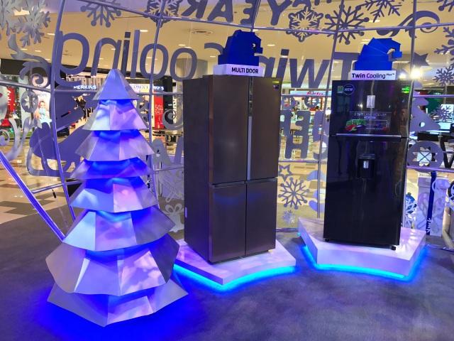 Bộ đôi tủ lạnh Multi Door và Twin Cooling Plus tại khu trưng bày sản phẩm Samsung
