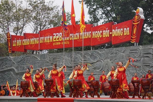 Các nghệ sĩ tái hiện lại trận chiến của anh hùng áo vải cờ đào Quang Trung - Nguyễn Huệ cùng các tướng lĩnh cách đây 228 năm