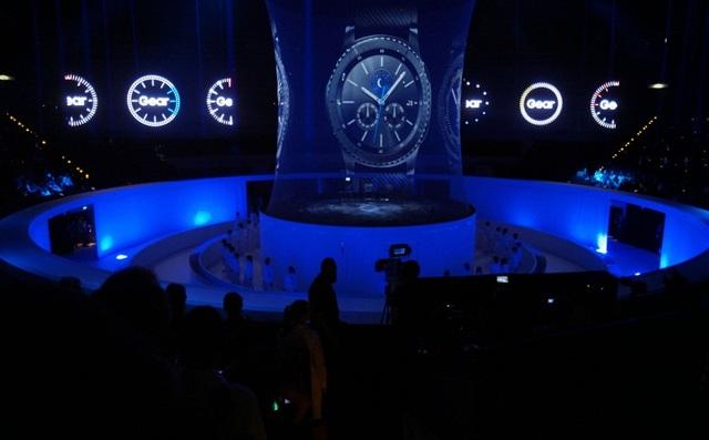 Samsung Gear S3 được ra mắt chính thức đầu tiên tại triển lãm IFA 2016.