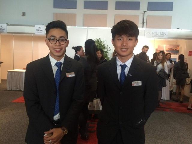 Các bạn sinh viên Việt Nam tại Diễn đàn tuyển dụng quốc tế tại Thụy Sỹ